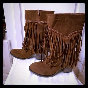 Brown shade fringe boots